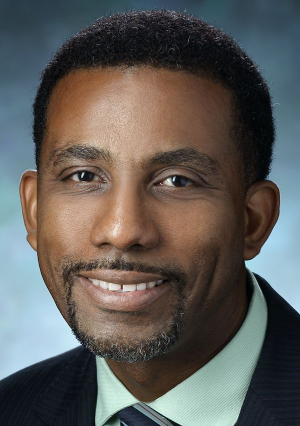 Photo of Dr. Warren Grayson